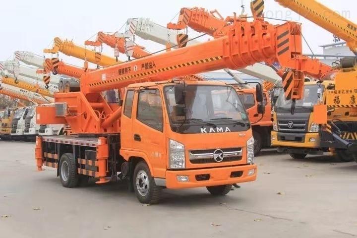 8吨小吊车价格 凯马8吨汽车吊吊重 厂家直销现货供应 欢迎预定