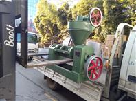 内置加热的一机多用型榨油机器设备